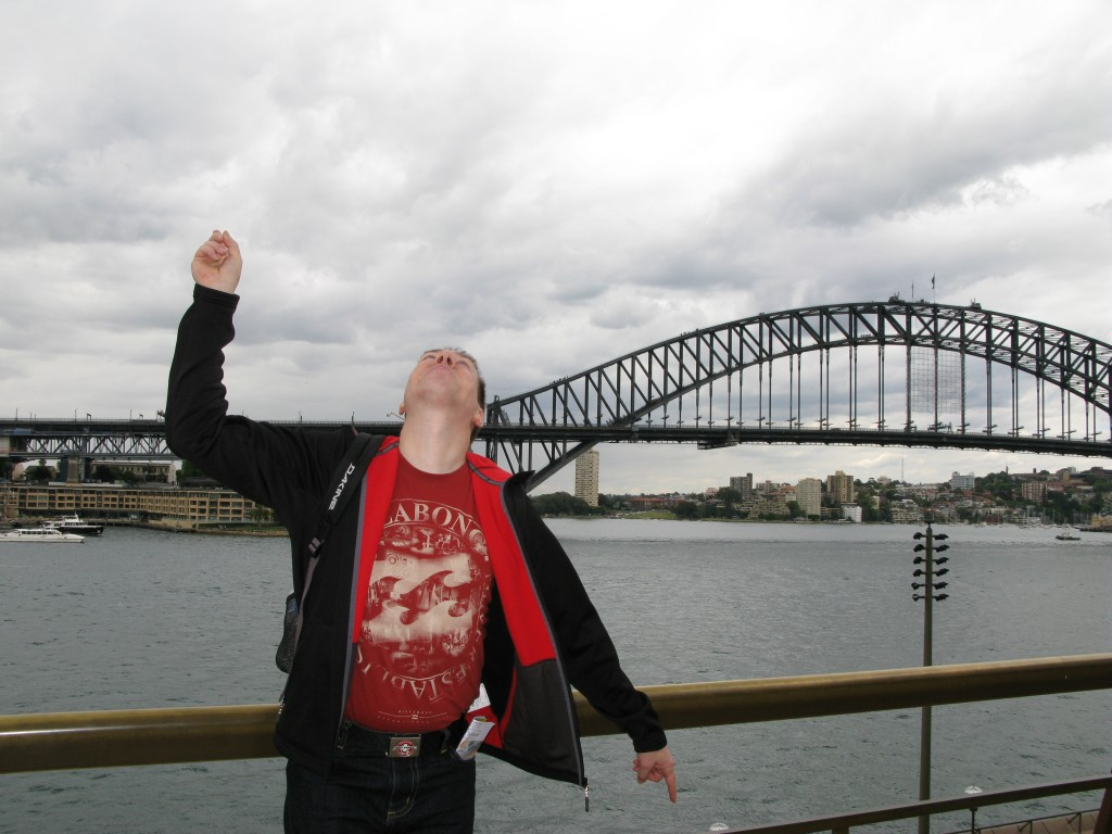 Logi vor der Sydney Harbour Bridge